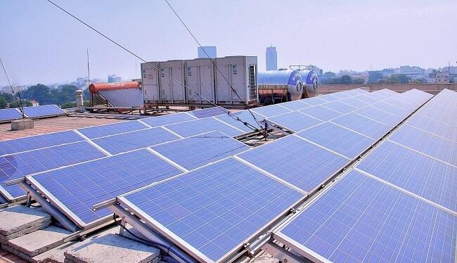 Solarpanels in Afrika finanzieren durch Crowdinvesting Finanzierungslösung von ecoligo
