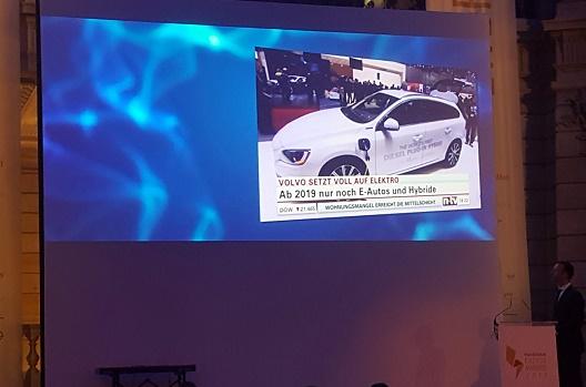 Slide bei den Energy Awards 2017 Volvo schlägt neue Wege ein und setzt ab 2019 auf Elektromobilität