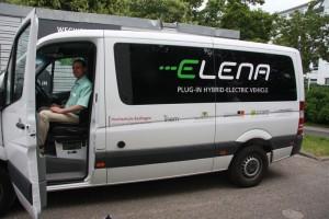 ELENA erster Hybrid-Transporter, der sowohl elektisch als auch mit Diesel fährt.
