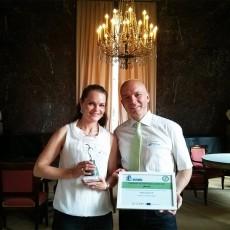 Glückliche Gewinner des europäischen Energiesparcup 2016, Nele Lübberstedt und Andreas Kamlott, CEO der kaneo GmbH green IT solutions