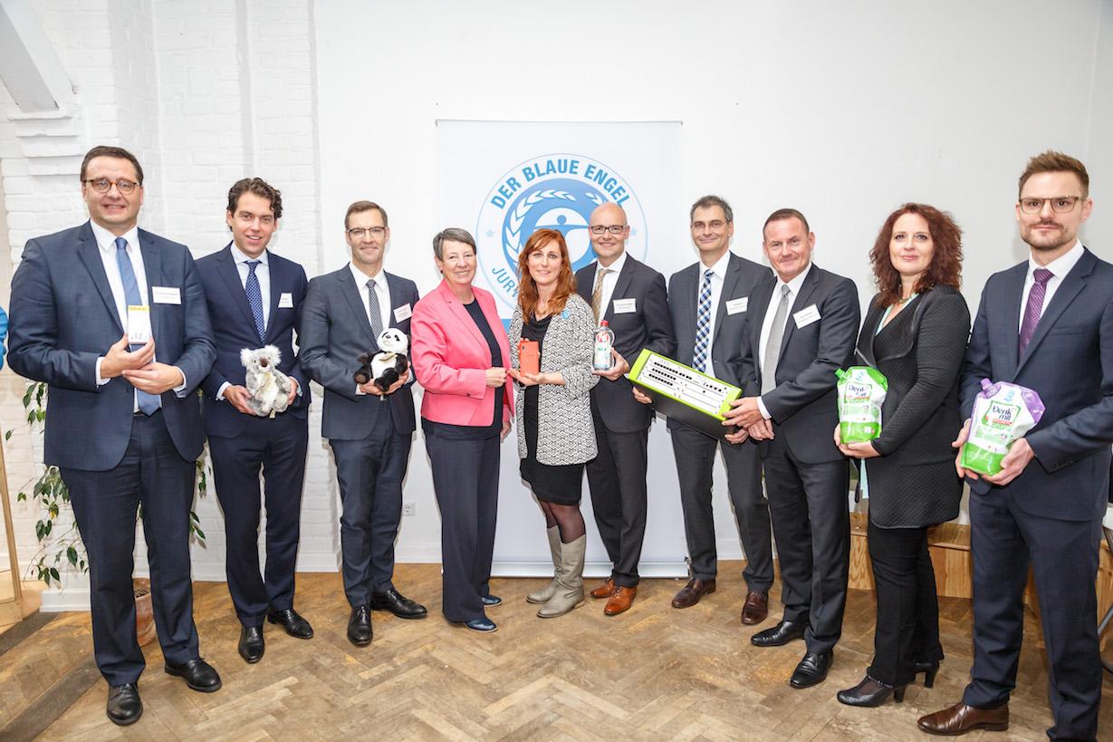 Nachhaltige Kommunikationslösung von Unify wird gemeinsam mit anderen nachhaltigen Produkten zum Aktionstag Blauer Engel ausgezeichnet