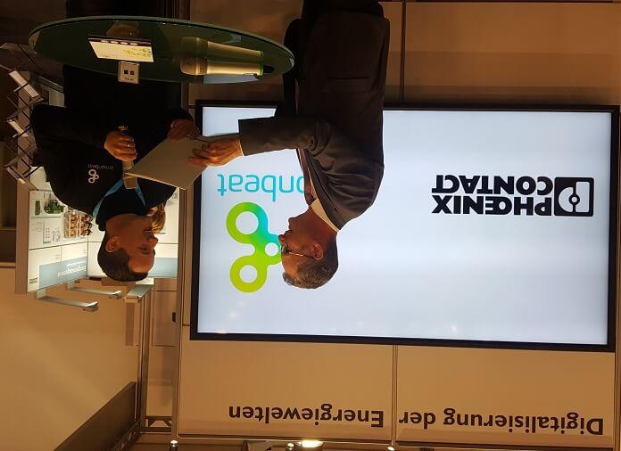Großer Moment - die offizielle Bekanntgabe der Kooperation des Start-ups Lemonbeat mit dem Unternehmen Phoenix Contact