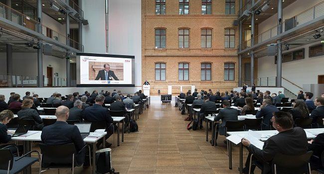 BDEW Smart Renewables 2017 Herausforderungen und Antwort auf veränderte Unternehmensumwelt in der Energiewirtschaft