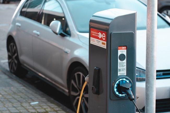 Woher kommt der Strom zum Beladen von Millionen Elektroautos?