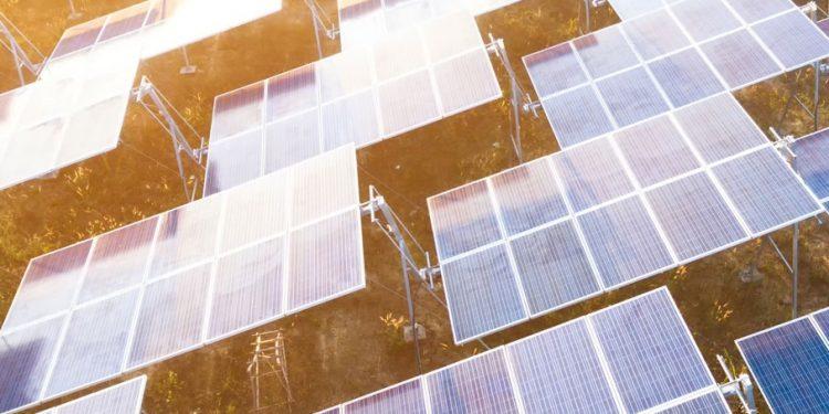 Optimierte Energiebilanz durch gekoppelten Einsatz bei Energieeffihzienz und Erneuerbaren Energien