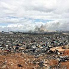 Ein Müllmeer voller Elektroschrott soweit das Auge reicht