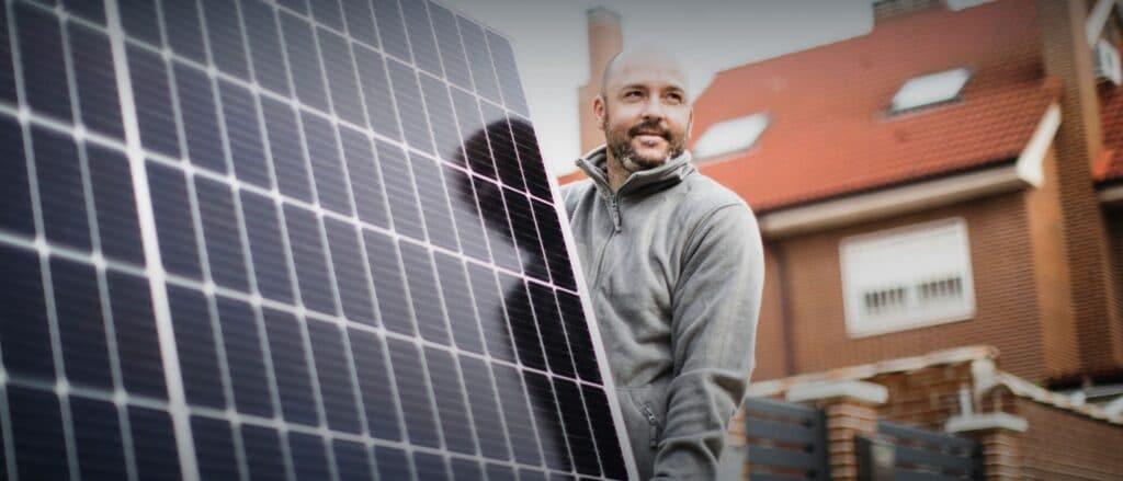 https enercity.neoskop.cloud assets cms enercity de magazin Strom aus Sonnenenergie Zuhause header eigene solaranlage 002